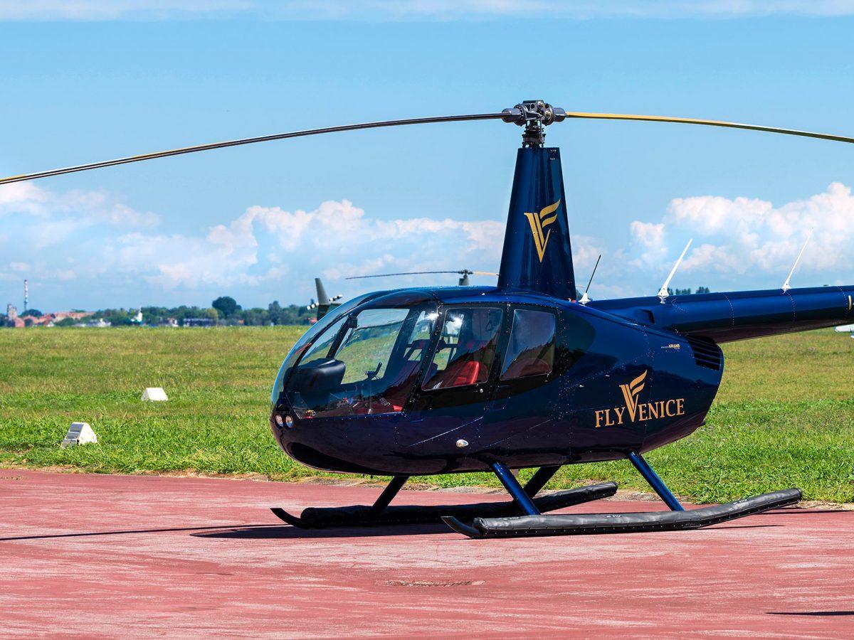 Fly-Venice_R44-Clipper-2